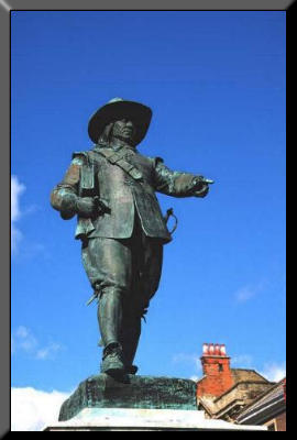 Picture of Cromwell's statue in St Ives
